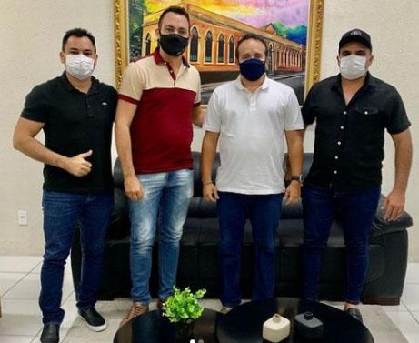 Átila Câmara convida grandes empresas para se instalarem em Maranguape